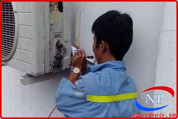 Bơm gas máy lạnh tại Lái Thiêu Bình Dương thumbnail