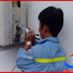 Vệ sinh máy lạnh cho các hộ gia đình tại Bình Thạnh